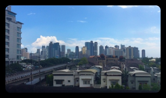 Vitesse moyenne, 60 km/h. Réseaux connexes, Manila Metro Rail.